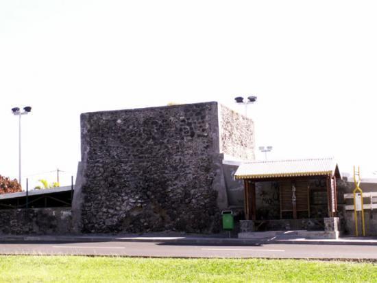 four a chaux etang sale de la Reunion